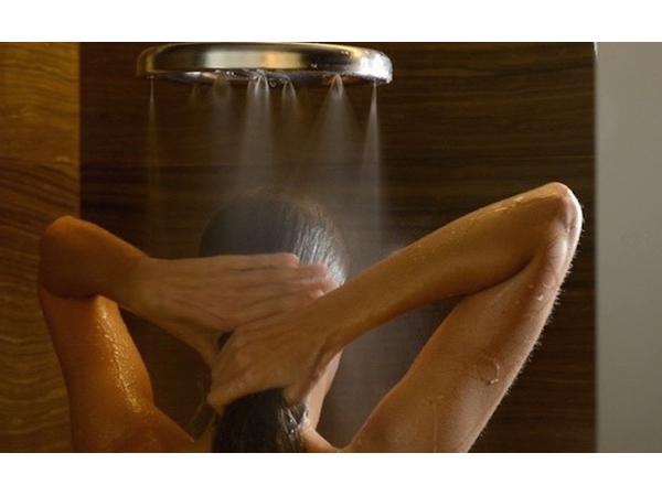 節水率70%!肌にもお財布にもやさしい夢のシャワーヘッドに話題集中