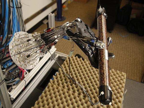 University of Washington_fice fingered robot 01