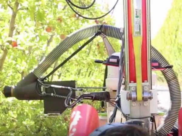 Abundant Roboticsが開発しているリンゴ収穫用ロボット