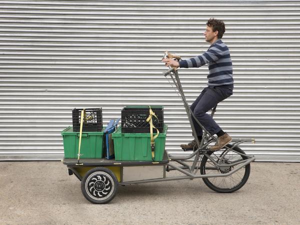 ニューヨーク発の配送用カーゴバイク「Yax」