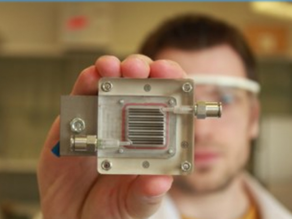 大気浄化と水素生成が可能なデバイス