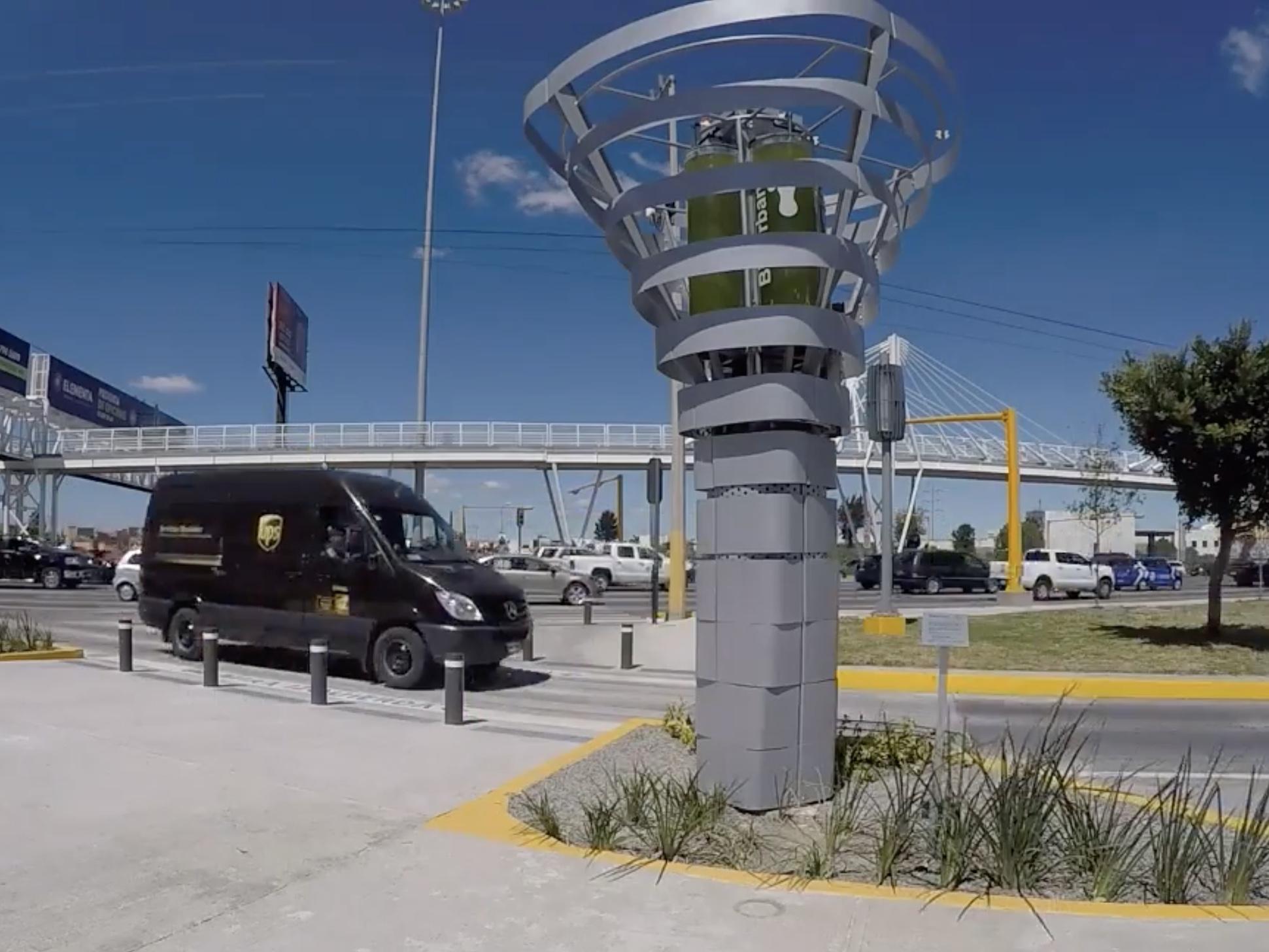 メキシコ発のロボット・ツリー「BioUrban」は都市部の大気を清浄!