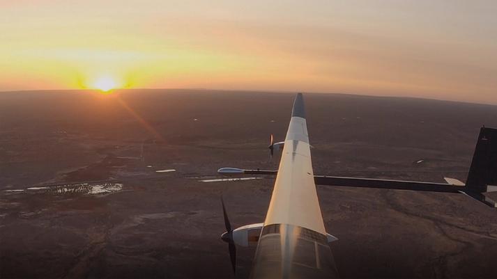 ソーラー無人航空機「PHASA-35 」が初飛行に成功!成層圏で1年間飛行可能