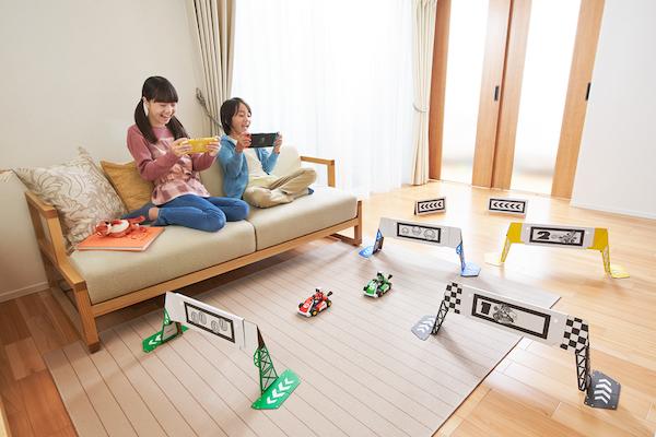 ゲームを融合させて遊ぶことができる新感覚マリオカートが10月に発売 ...