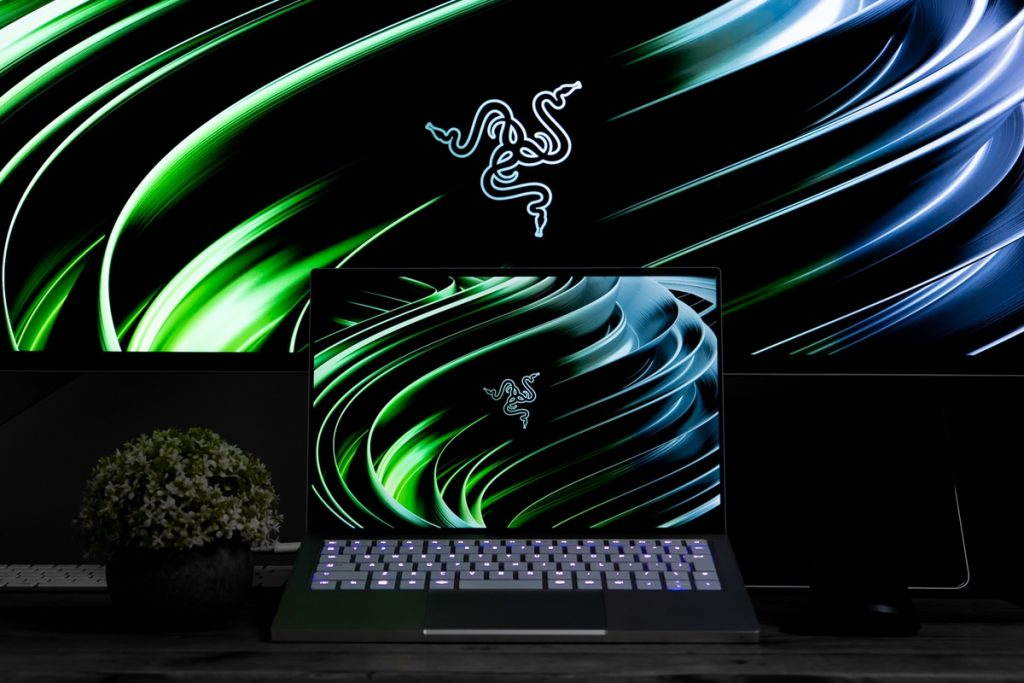 Razer Book 13 レビュー