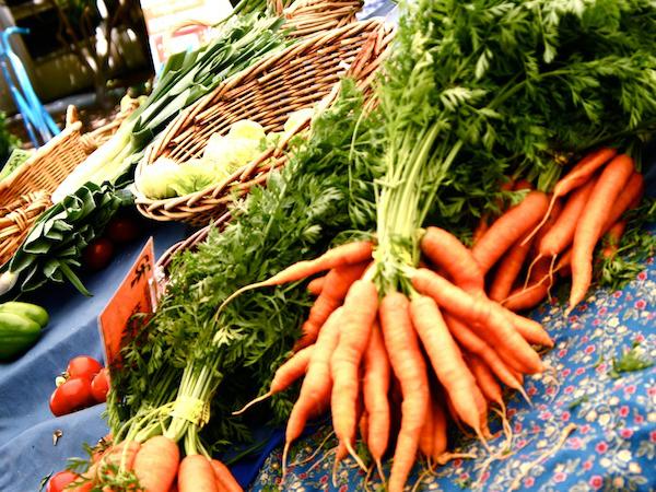 地元食材の流通チャネルとして定着しつつあるファーマーズマーケット