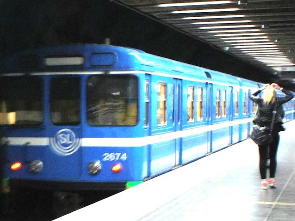 ストックホルムで運行している地下鉄