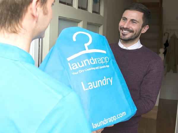 英国のオンデマンド型洗濯代行サービス「Laundrapp」