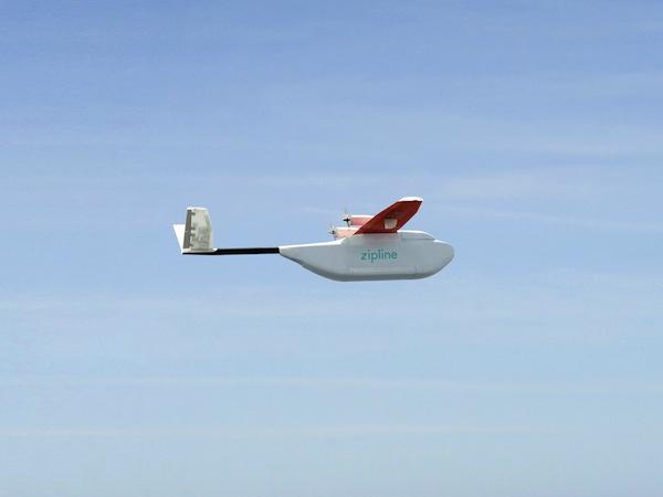 医療分野に特化したドローン輸送サービス「Zipline」