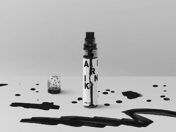 大気汚染物質から再生された世界初のインク「Air Ink」