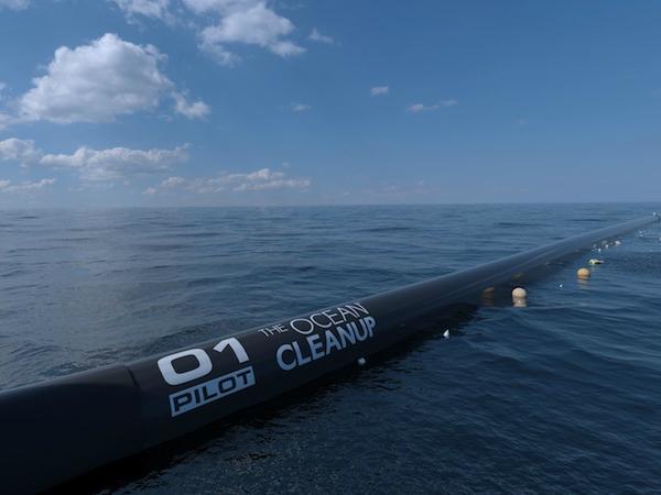 オーシャン・クリーンアップ基金が開発している海洋自動清掃システム